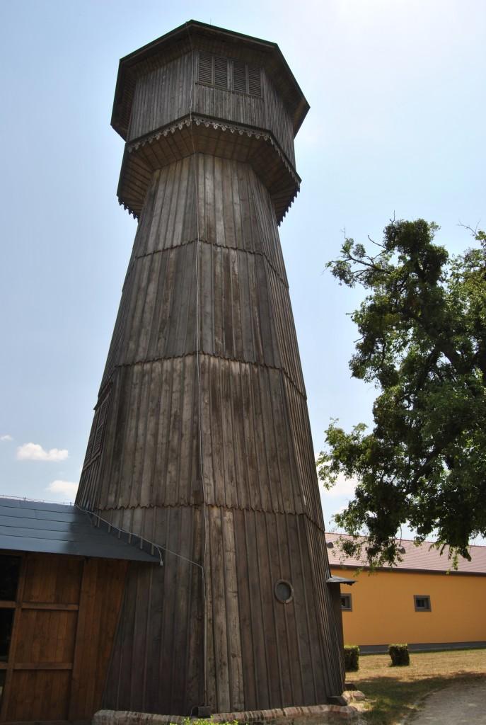 Palárikovo - vodáreň (pohľad z blízka)