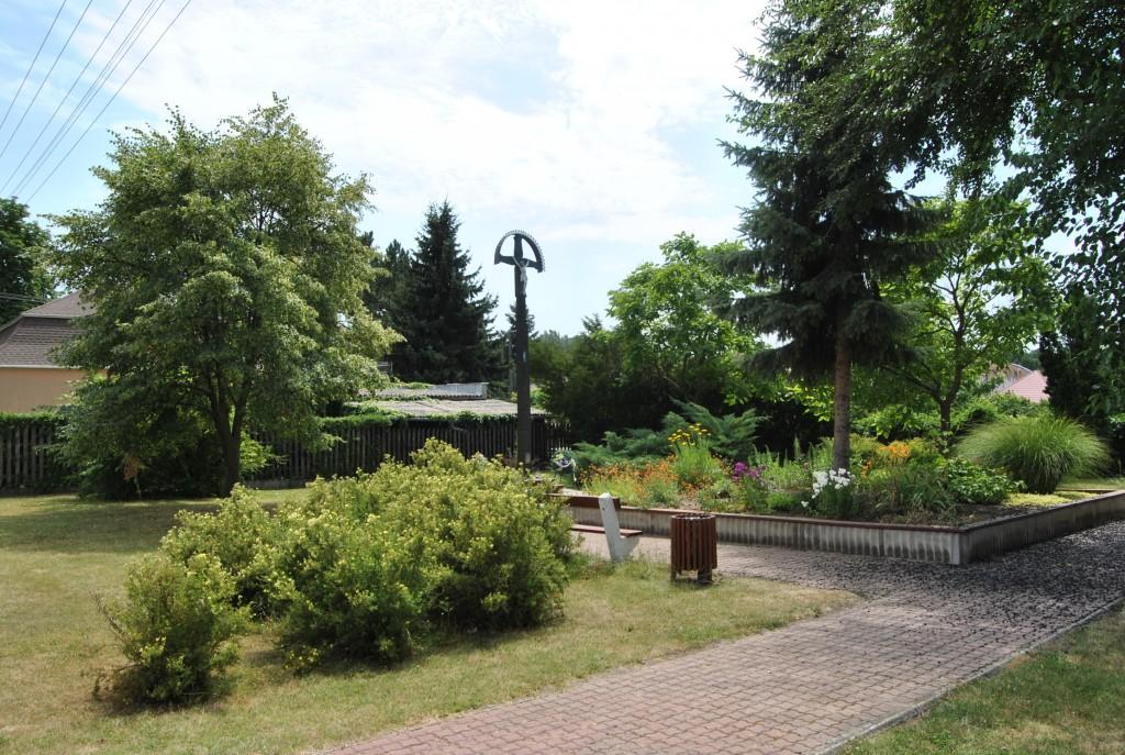Palárikovo - kríž (okolie)